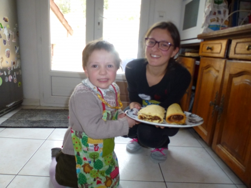 preparation du gateau, jeune fille au pair, brignoles